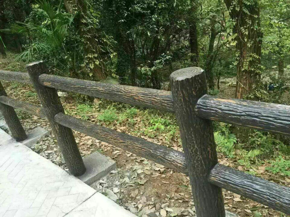 景区仿树皮护栏